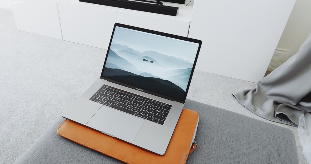 Macbook Air - Overpriced. Looks good though.